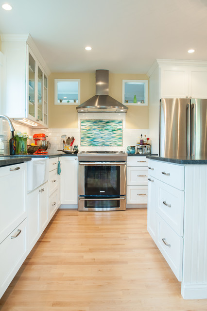 Bayview traditional-kitchen