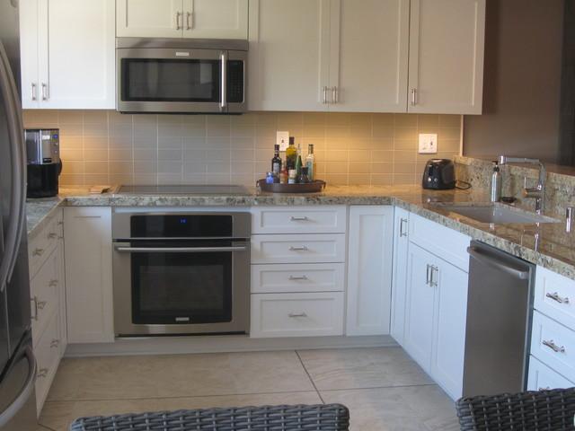 Beach Condo Kitchen Remodel - Beach Style - Kitchen - los angeles - by Mentos Interiors