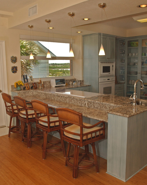 Beach house beach style kitchen jacksonville by vibha hutchins design Kitchen design gallery beach boulevard jacksonville fl