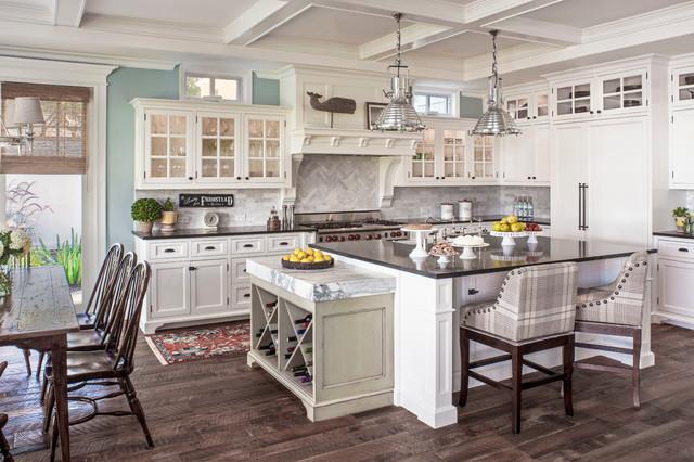 Cape Cod beach-style-kitchen