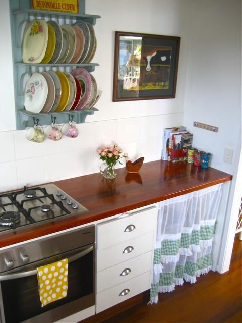 beach vintage eclectic-kitchen