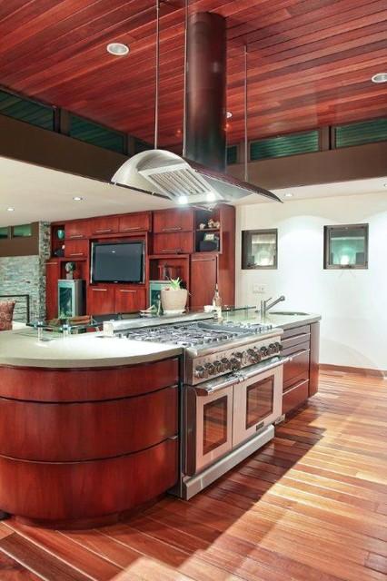 Beach Walkstreet Home beach-style-kitchen