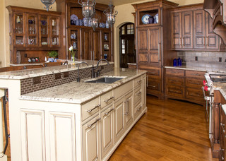Beaded inset Cabinetry - Traditional - Kitchen - kansas city - by Wende Woodworking LLC