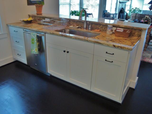 Beaufort traditional-kitchen