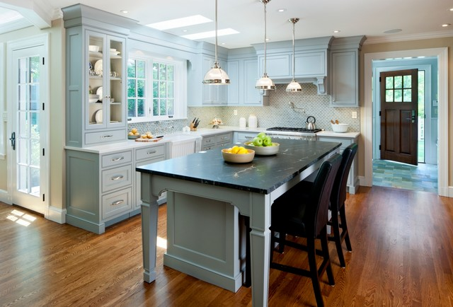 Beautiful & Sustainable traditional-kitchen