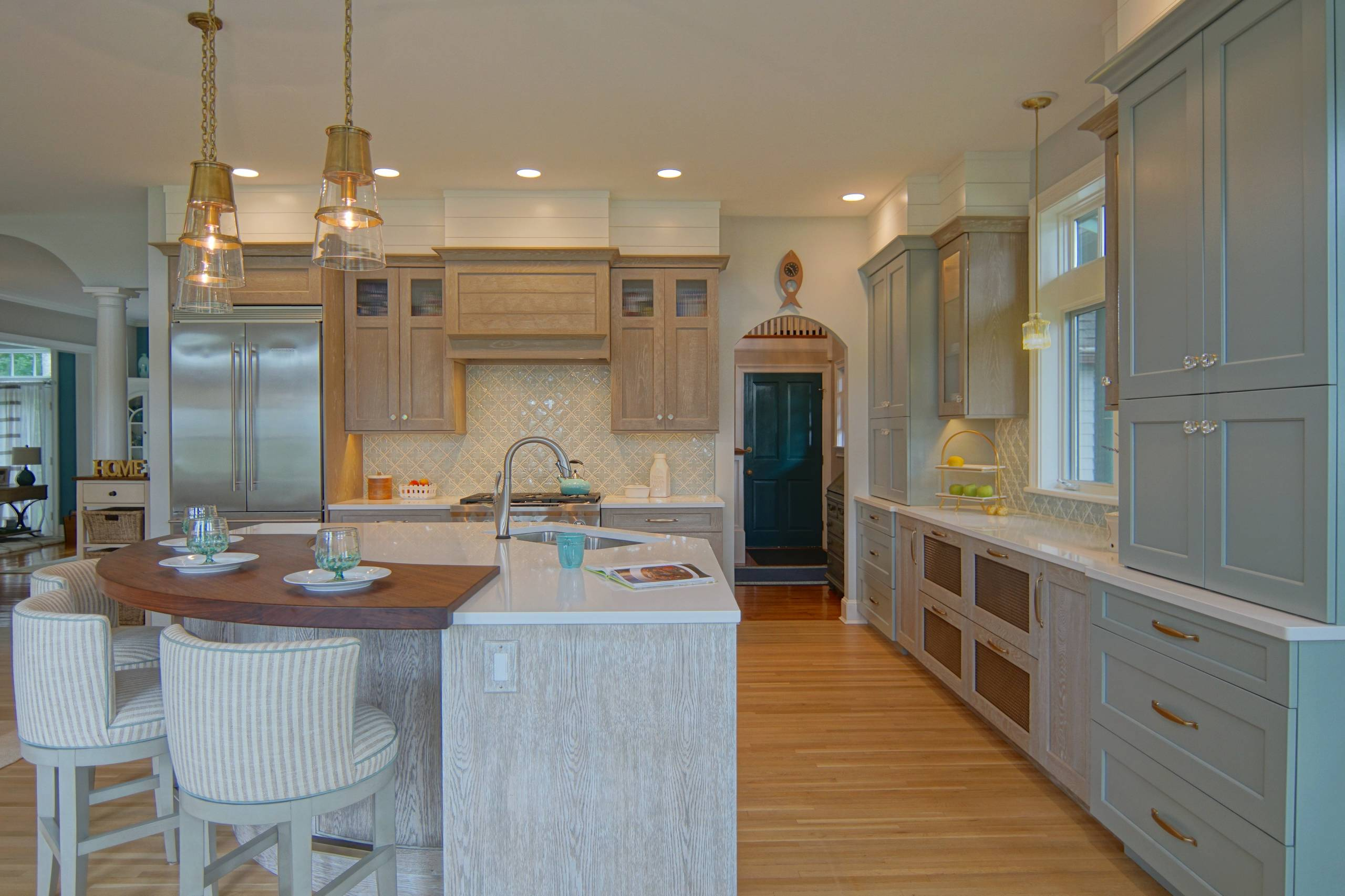 75 Beautiful Brown Kitchen With Turquoise Cabinets Pictures Ideas April 2021 Houzz