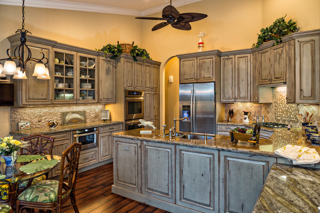 Beautiful kitchen with old world flair traditional for World beautiful kitchen