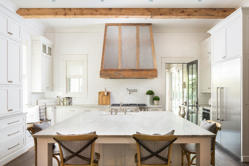 Copy these Fabulous 5 Kitchens with Farmhouse Kitchen Decor Accents - Check out these amazing farmhouse kitchens and recommended accents to get the look! | HeartenedHome.com #afflink #kitchendecor #farmhouse