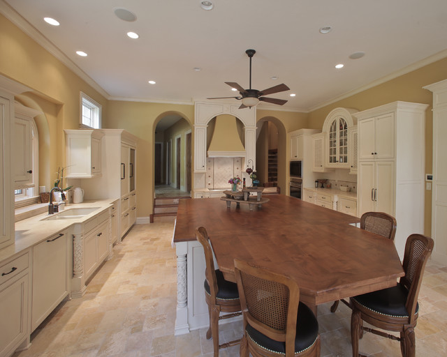 Beaver Lake Custom Home traditional-kitchen