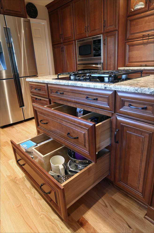 Beaverton Kitchen Remodel - plenty of custom storage ...