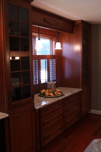 Beechwood traditional kitchen philadelphia by j for Building traditional kitchen cabinets by jim tolpin