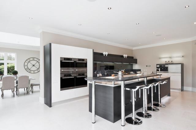 Beechwood manor modern kitchen london by alexander for Beechwood home designs