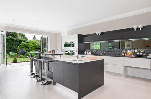 Exceptional Example Of A Trendy Kitchen Design In London With Stainless Steel Appliances