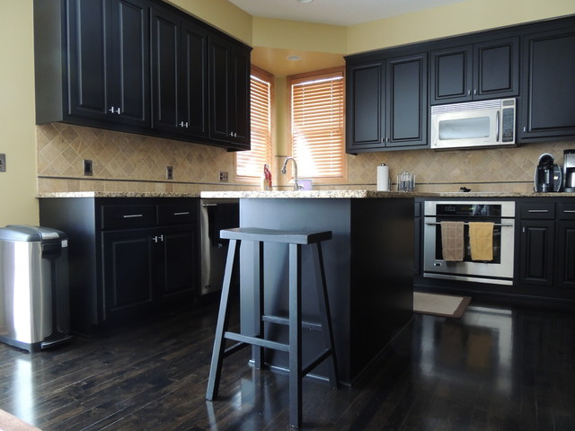 Before and After: Don't Dawdle your Kitchen Remodel! traditional-kitchen