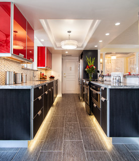 Before & After pictures of Kitchen Remodel - Contemporary - Kitchen - Miami - by Jill K. Greene