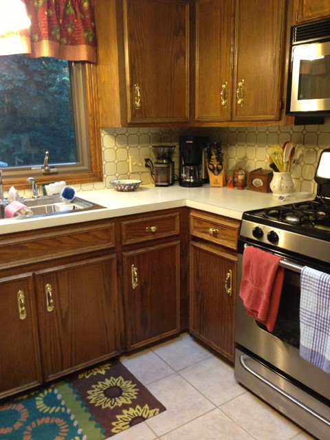 Before dated oak cabinets counter and tile needed to be for Bathroom cabinets grand rapids mi