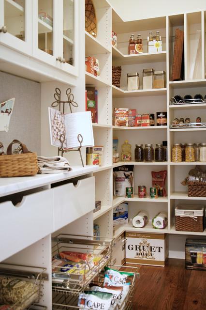 Bell Kitchen and Bath Studios - Traditional - Kitchen - atlanta - by Barbara Brown Photography