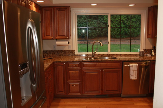 Bellevue Remodel Traditional Kitchen Seattle By Parr Cabinet Design Center
