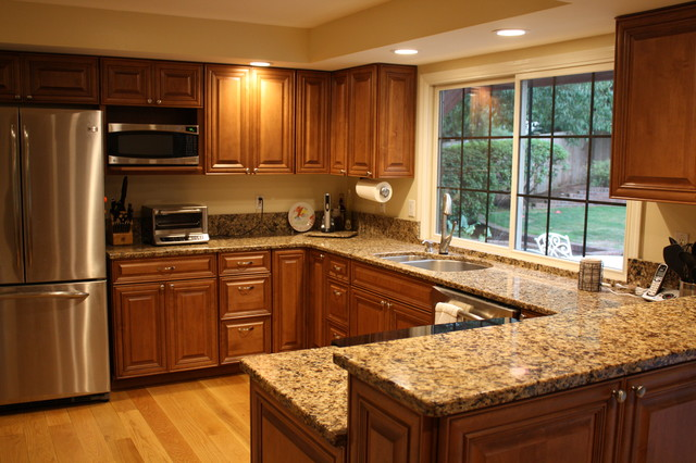 Bellevue Remodel Traditional Kitchen Seattle By Parr Cabinet Design Center Tukwila