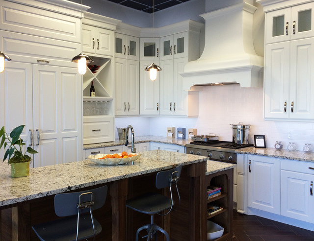 Bellmont 1900 Series - Traditional - Kitchen - Seattle - by Bellmont Cabinet Co.