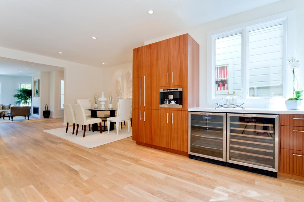 Bellmont cabinets Sapele Natural wood - CaesarStone ...