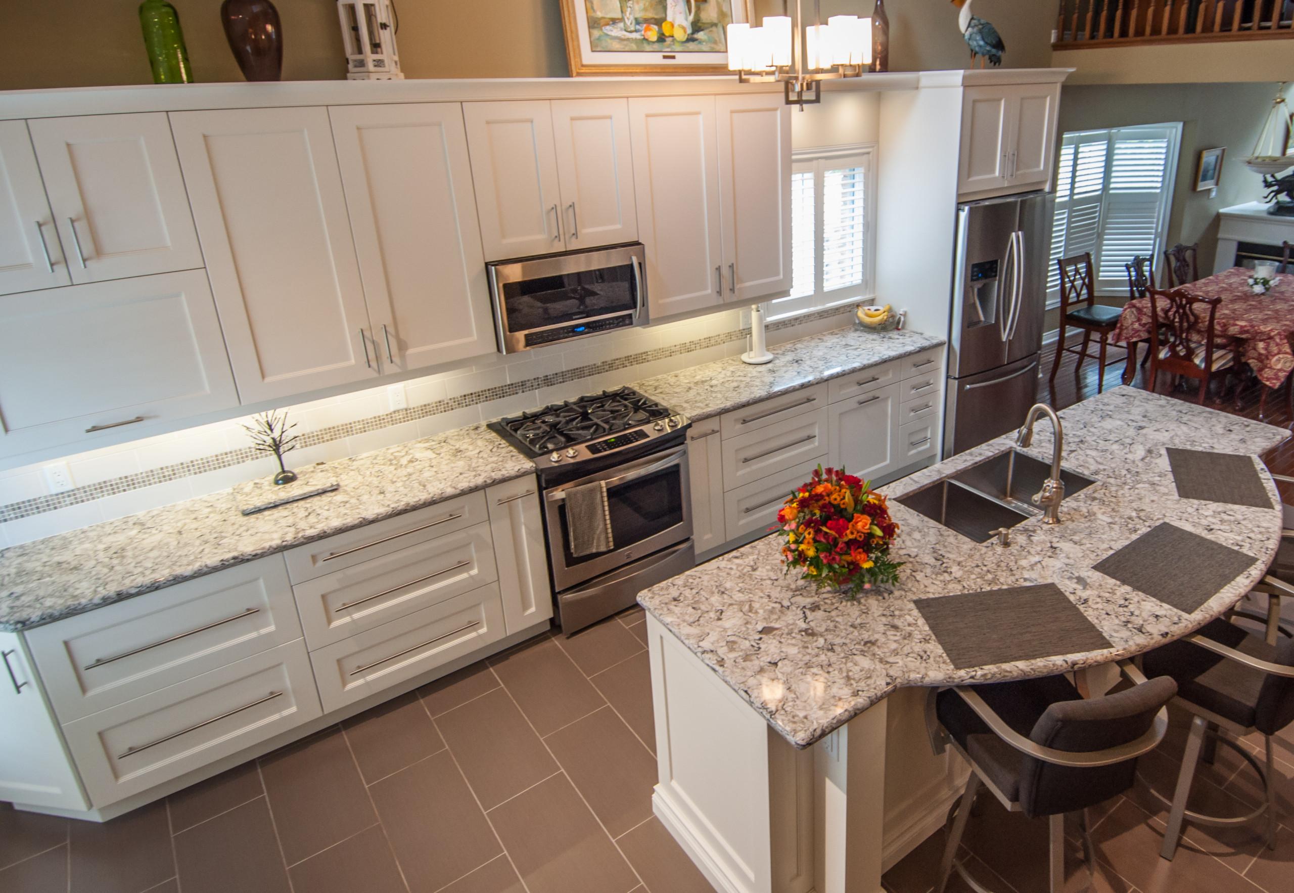 Bellview Transitional Kitchen
