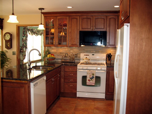 Bennett traditional-kitchen