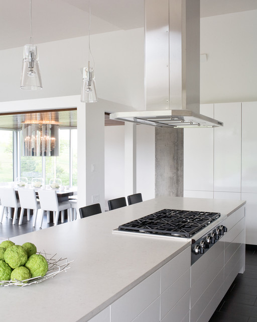 Bent/Sliced House modern-kitchen