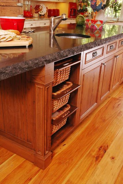 Benvenuti and Stein traditional-kitchen