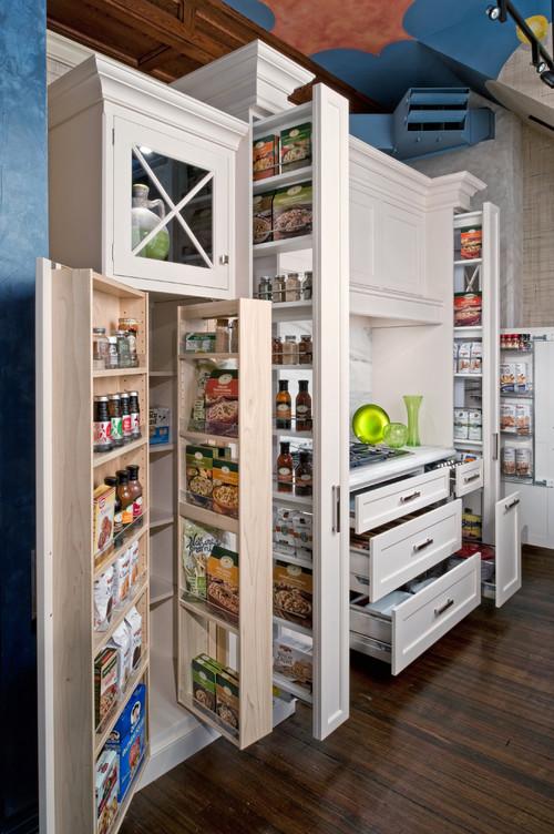размещение в шкафчиках еды