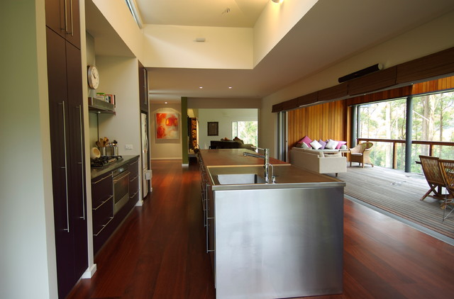 Berry house contemporary-kitchen