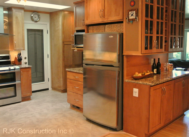 Bertch Kitchen with Sunroom - Traditional - Kitchen - dc metro - by RJK Construction Inc