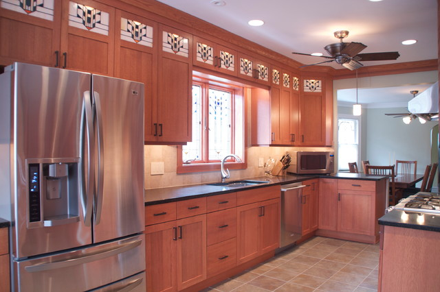 Berwyn bungalow kitchen traditional kitchen chicago for Kitchen designer chicago