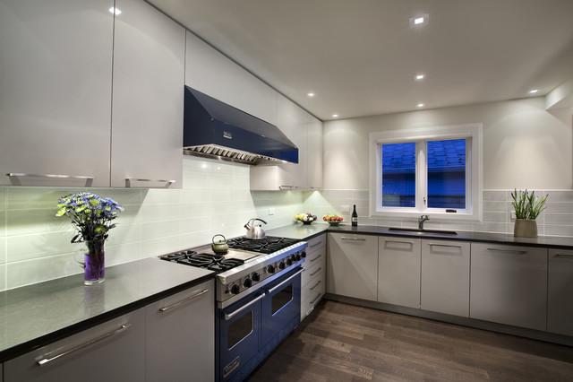 Best Builders ltd contemporary-kitchen