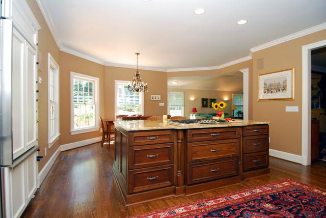 Bi-Color Kitchen in McLean, VA traditional-kitchen
