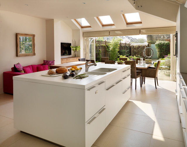 Bi fold doors open the bulthaup kitchen into the garden of for Kitchen design 4m x 2m