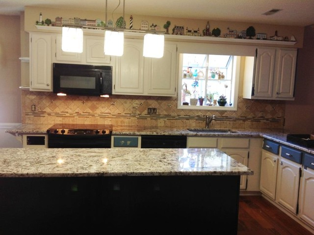 Amazing Bianco Antico Granite Countertop Color Examples Traditional Kitchen