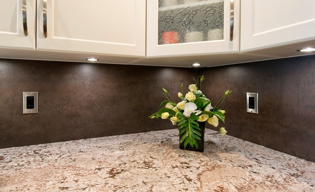 bianco antico granite with neolith backsplash kitchen