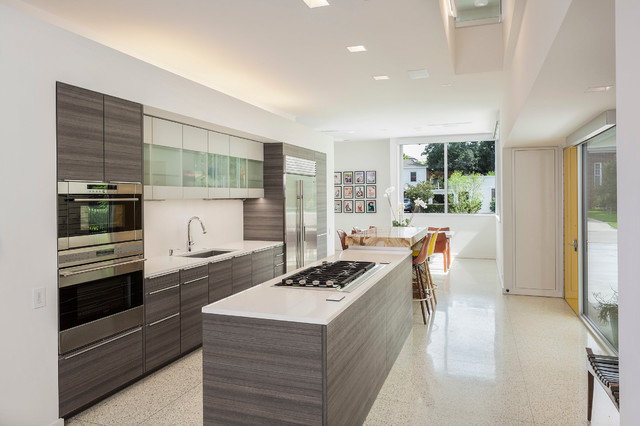 Binary House Modern Kitchen Houston By