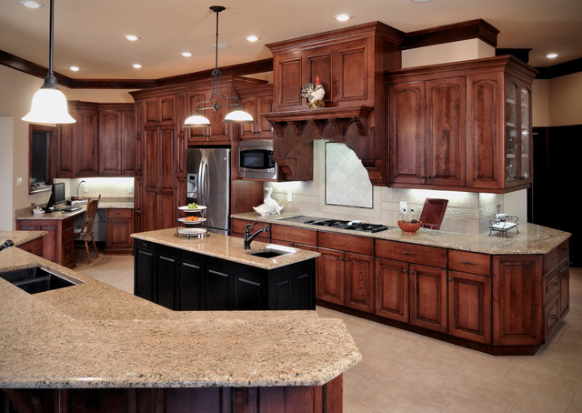 Birch Cabinetry With Cherry Stain Finish Traditional Kitchen Kansas City By Wende