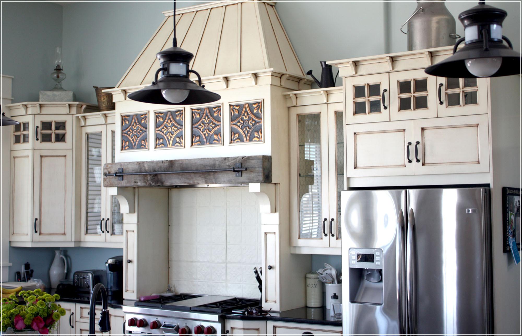 Black and White Arts & Crafts Kitchen