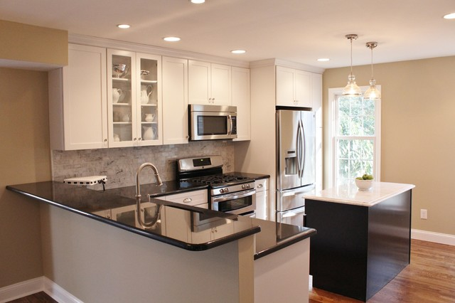 Countertop Height Overhang : Black and White, Bar height counter overhang - Contemporary - Kitchen ...