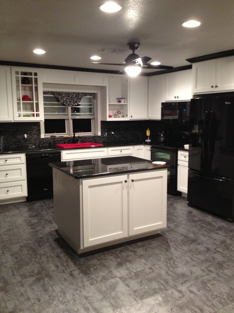 Black white kitchen for Building traditional kitchen cabinets by jim tolpin