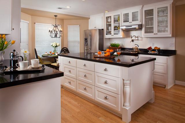 Black and white kitchen traditional kitchen other for Traditional black and white kitchen designs