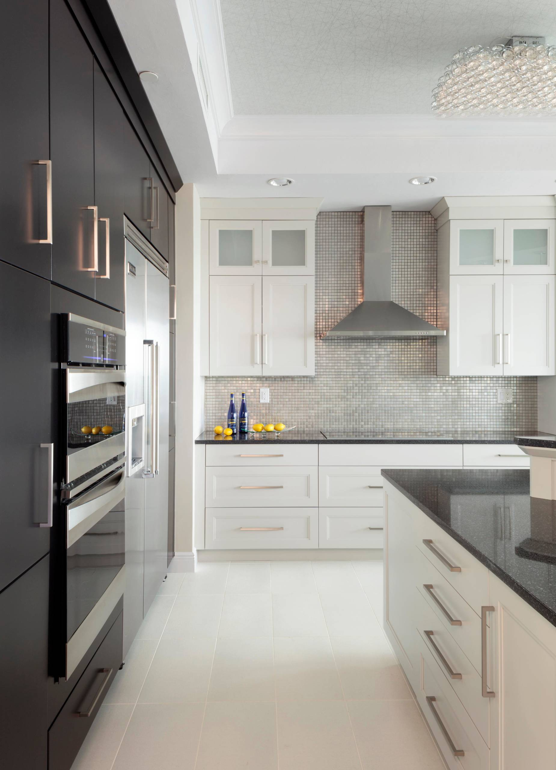 75 Beautiful Kitchen With Mosaic Tile Backsplash Pictures Ideas December 2020 Houzz