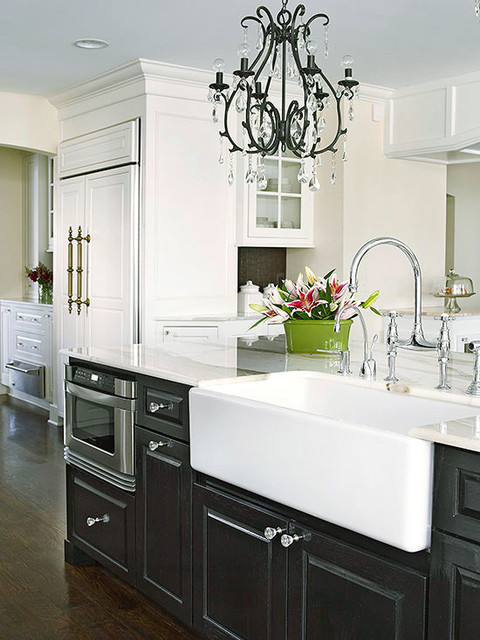 Black Cabinets With White Farm Sink