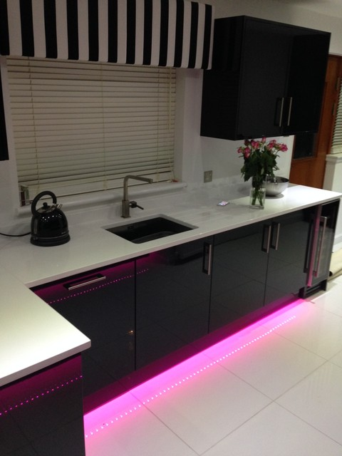 Black Gloss Kitchen White Quartz Worktops East Kilbride Modern Kitchen Scotland By