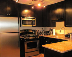 Black Kitchen Cabinets | Rockford Door Style | CliqStudios contemporary-kitchen