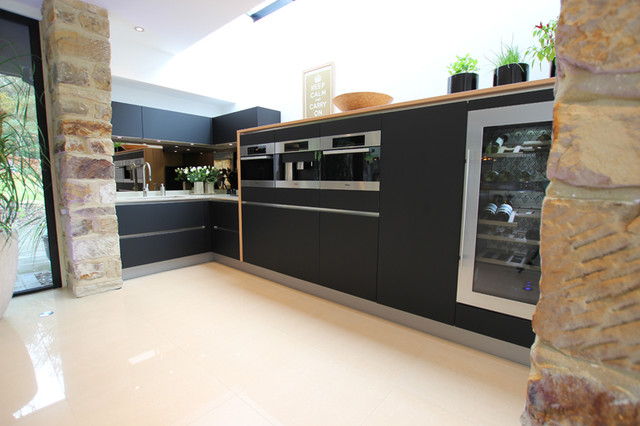 Black matt handleless kitchen modern kitchen london for Modern kitchen london
