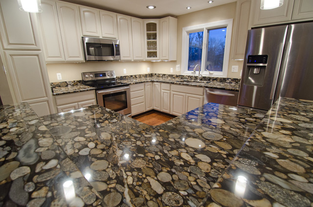 Black Mosaic Gold Granite/ Marinace Granite Kitchen traditional-kitchen